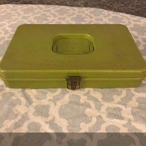 Other - Vintage green sewing box spool keeper